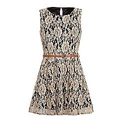 Iska - Sleeveless lace belted dress