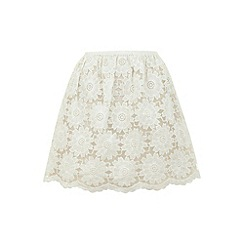 Yumi - White Lovely in lace skirt