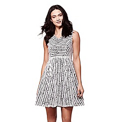 Yumi - Ivory stripe lace shift dress