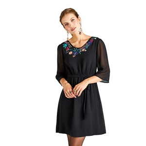 Yumi Flower embroidered dress with tie waist