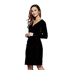 Yumi - Black velvet 'Diana' evening wrap dress