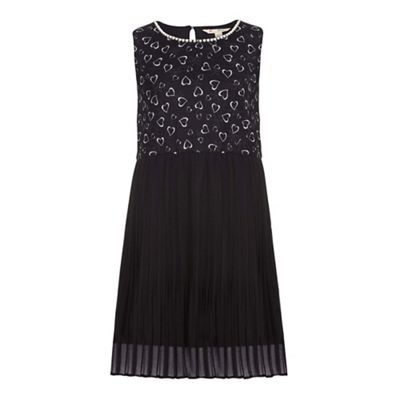 Yumi Girl Black Pleated Dress With Heart Print - . -