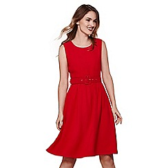 Yumi - Red sleeveless belt dress