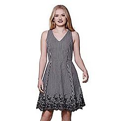Yumi - Black stripe embroidery dress