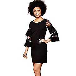 Yumi - Black floral 'Asiya' ruffle sleeve mini tunic dress