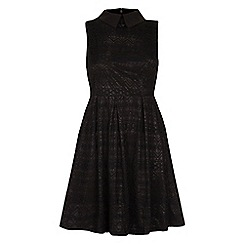 Yumi - Sleeveless collar lace dress