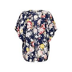 Yumi - Floral print kimono.