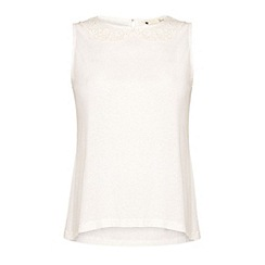 Yumi - Lace collar shell top.