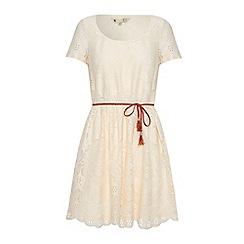 Yumi - Textured lace dress
