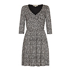Yumi - Animal print dress.