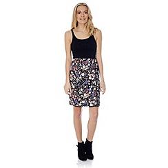 Yumi - Mixed daisy skirt.