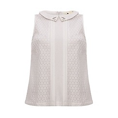 Yumi - Lace top with bead collar detail