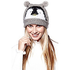 Yumi - Grey penguin bobble hat