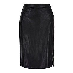 Yumi - Black leather look pencil skirt