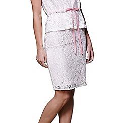 Yumi - Ivory lace pencil skirt