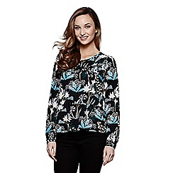 Yumi - Black lily snowdrop pattern top