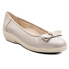 Padders - Cream 'Annabel' womens pump shoes