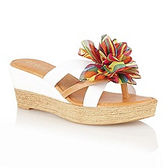 Lotus - White 'Catania' toe post sandals