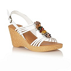 Lotus - White 'Sardinia' open toe sandals