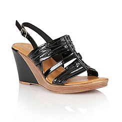 Lotus - Black shiny 'Chilivani' wedge sandals