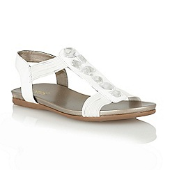 Lotus - White shiny 'Myrtill' open toe sandals