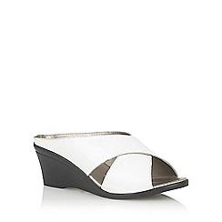 Lotus - White 'Trino' open toe mules