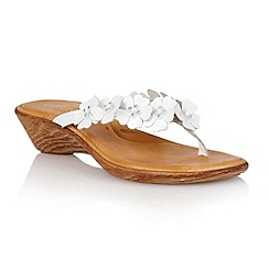 Lotus - White leather 'Florence' toe post sandals