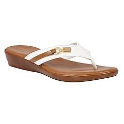 Lotus - White 'Zorzi' toe post sandals