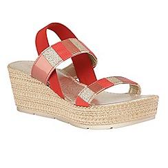 Lotus - Red multi 'Langmead' platform sandals
