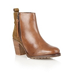 Lotus - Tan 'Teagn' ankle boots
