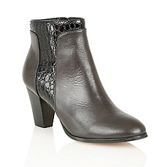 Lotus - Black leather croc 'Lorny' ankle boots