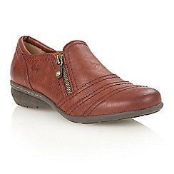 Lotus - Red matt 'Kaley' court shoes