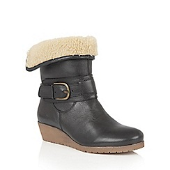 Lotus - Black leather 'Madara' ankle boots