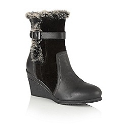Lotus - Black leather 'Varda' calf boots