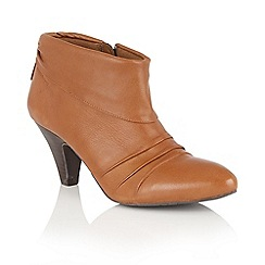 Lotus - Tan leather 'Hickory' zip up ankle boots