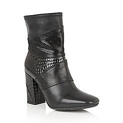 Lotus - Black leather 'Zania' calf boots