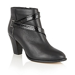Lotus - Black leather 'Thore' ankle boots