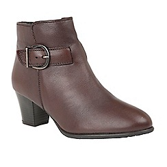 Lotus - Red 'Genevieve' mid heel ankle boots