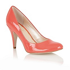 Lotus - Coral shiny 'Melic' court shoes