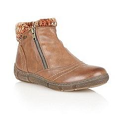 Lotus - Tan 'Amineto' ankle boots