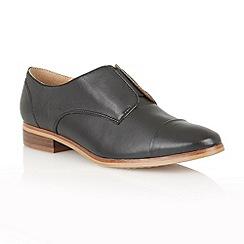 Lotus - Black leather 'Drake' flat shoes