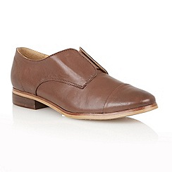 Lotus - Brown Leather 'Drake' flat shoes