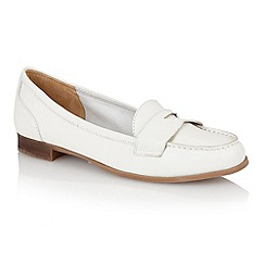 Lotus - Lotus white 'Miami' loafers
