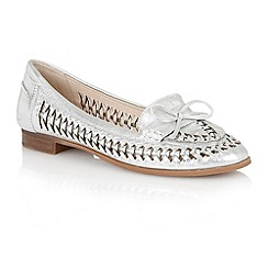 Lotus - Lotus silver 'Megan' loafers