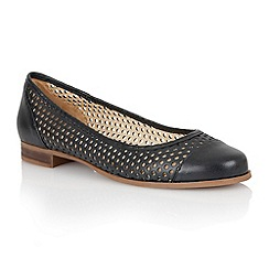 Lotus - Lotus navy 'Bellana' round toe shoes