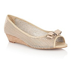 Lotus - Lotus nude 'Alyssa' slip on shoes