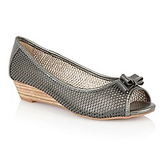 Lotus - Lotus pewter 'Alyssa' slip on shoes