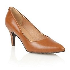 Lotus - Tan leather 'Myrtle' court shoes