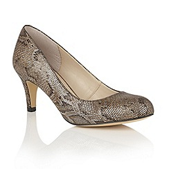 Lotus - Metallics 'Colombina' animal print courts