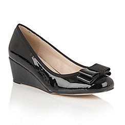 Lotus - Black shiny 'Asela' wedges